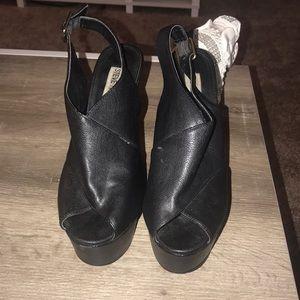 Cute chunky sandal heel